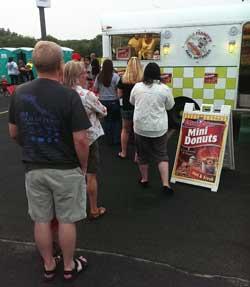 Mini-Donuts-County-Fair